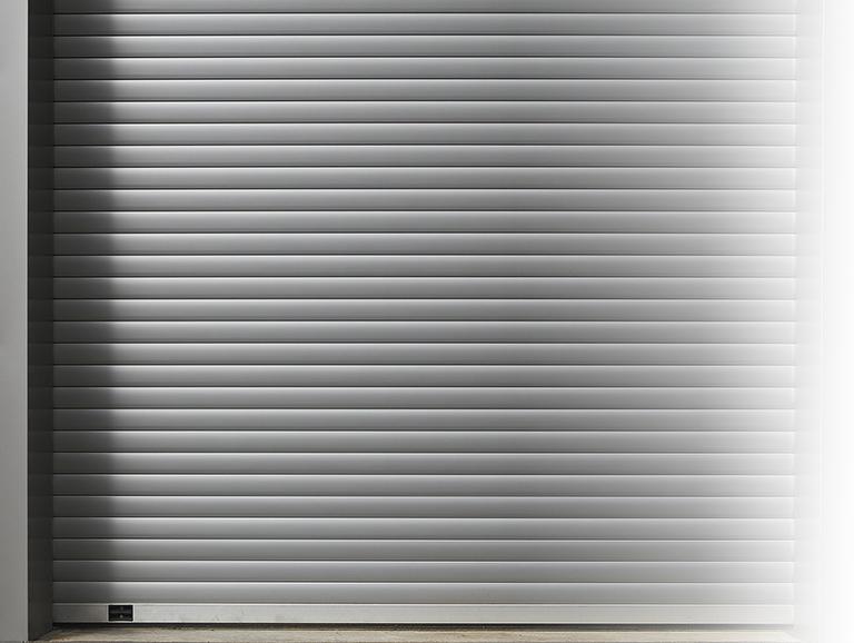 roll-up-door-3282516_1925
